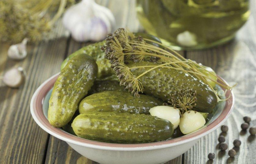 Dill pickles, image found at https://fermer.blog/bok/ogorod/ogurcy/polza-i-vred-ogurcov/189-solenye-ogurcy-polza-i-vred.html