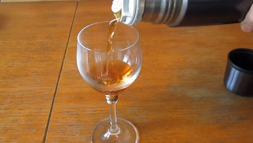 Как заваривать шиповник правильно в термосе и как пить: полезные свойства