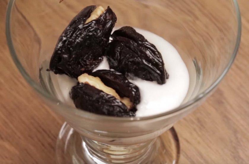 Салат чернослив грецкий орех сметана
