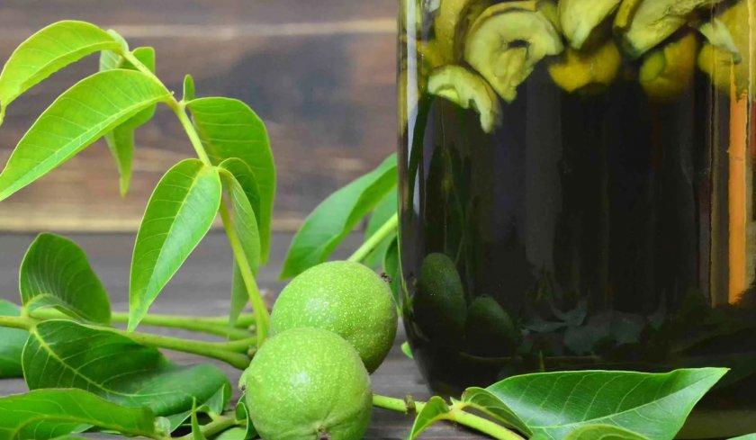 Самогон на молодых зелёных плодах ореха
