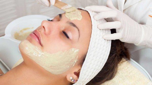 Как наносить миндальное масло на лицо