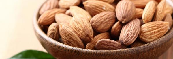 Три причины, почему миндаль лучший орех для здоровья женщин