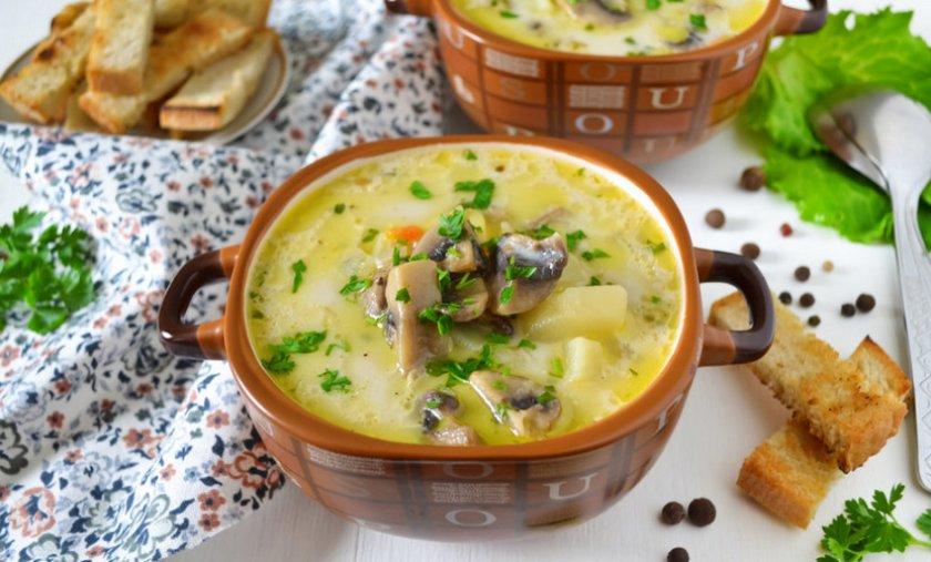 Грибной суп пюре из шампиньонов с плавленным