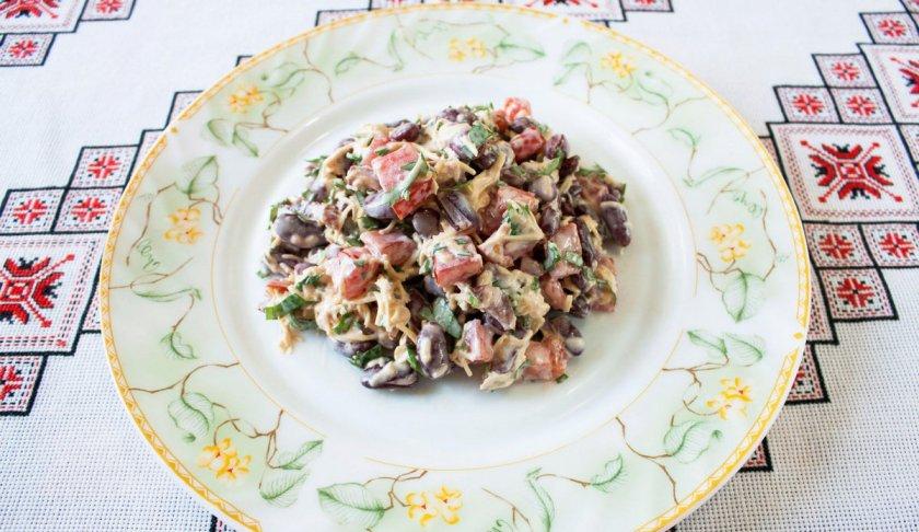 Салат с грибами и фасолью: маринованные, жареные, консервированные грибы, красная фасоль || Салат с маринованными грибами и фасолью