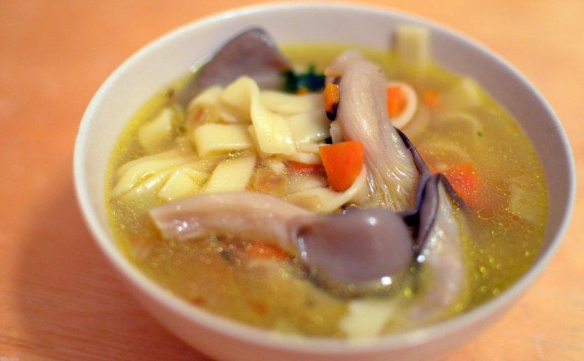 Суп с вешенками и лапшой