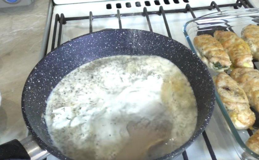 Рулетики из куриной грудки с грибами и сыром в духовке, лучшие рецепты