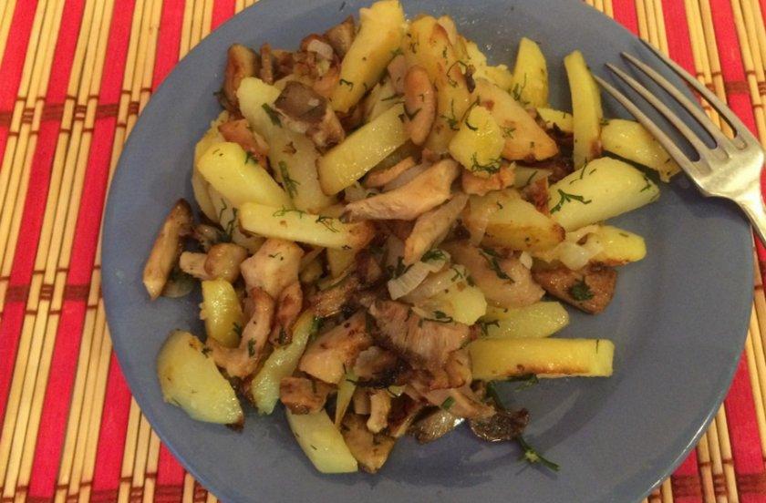 Жареные грузди с картошкой