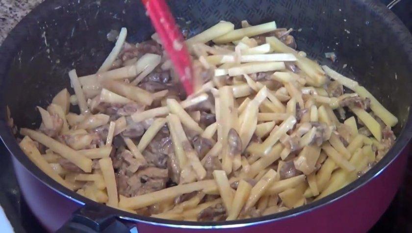 Как приготовить рыжики на сковороде: фото, видео и рецепты, как жарить грибы