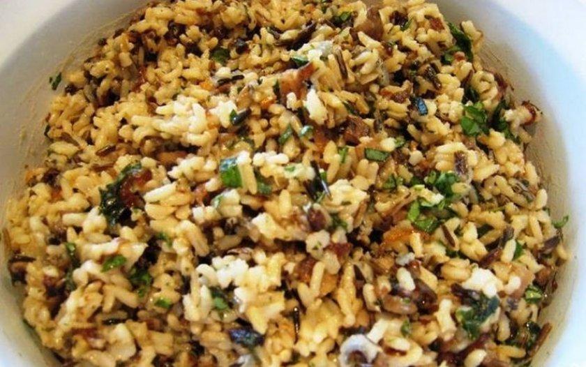 Рис с опятами