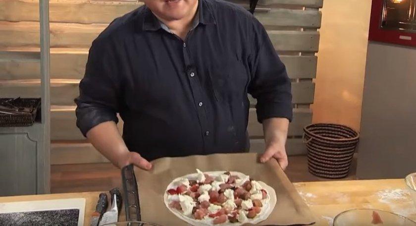 Рецепт: Пицца с замороженными грибами