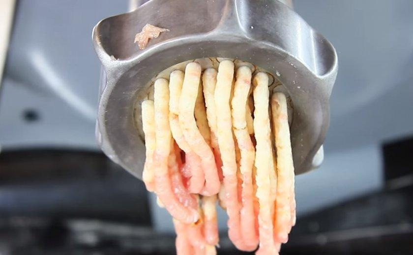 Фаршированные окорочка с грибами: 3 рецепта и секреты приготовления