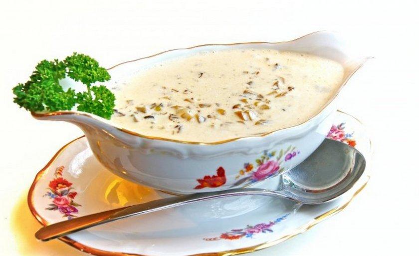Грибной соус из сушеных грибов: 4 рецепта, особенности приготовления