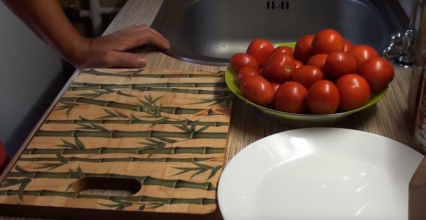Заморозка помидоров кружочками