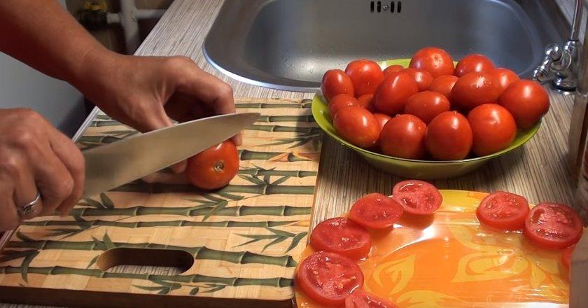 Заморозка помидоров кружечками
