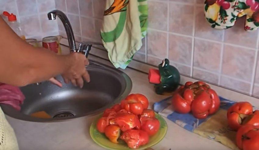 Заморозка помидоров кусочками