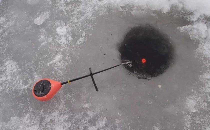 Зимняя поплавочная удочка