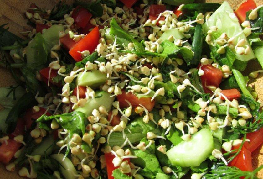 Салат с пророщенной гречкой