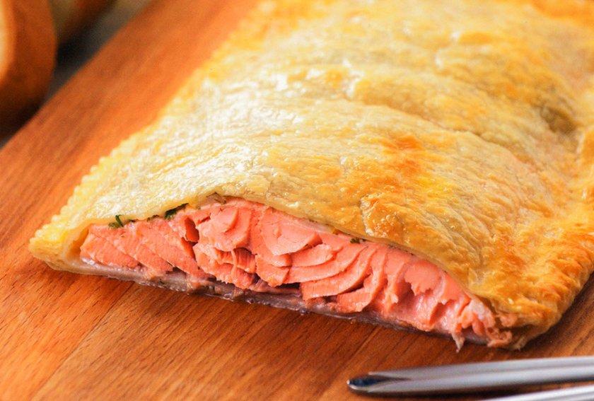 Слоёный пирог с картофелем и рыбой
