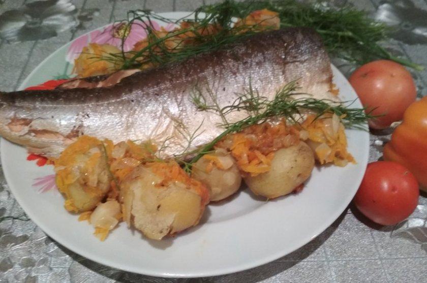 С картошкой и овощами
