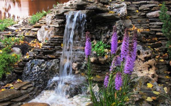 Водопад своими руками на даче: как обустроить садовый пруд из камня на участке, фото и идеи ландшафтного дизайна, варианты садово-паркового комплекса