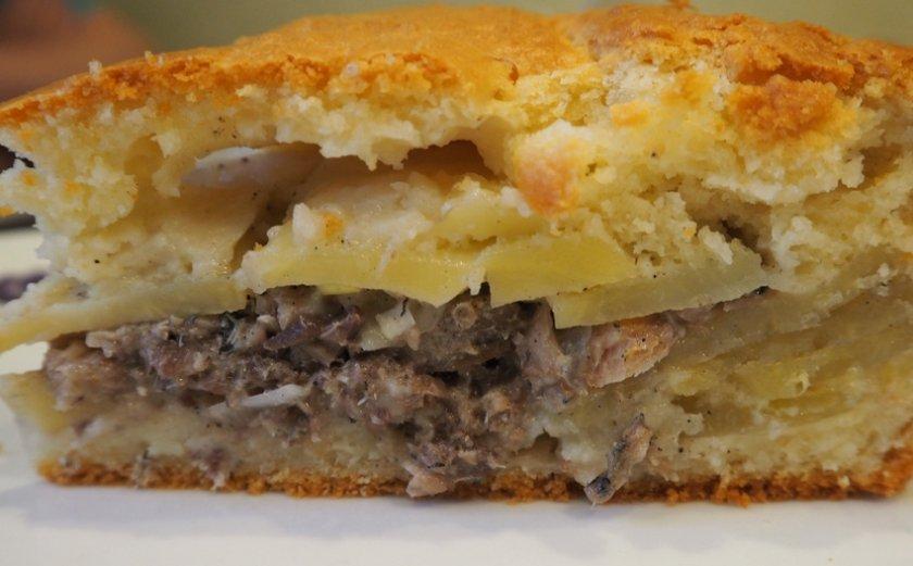 Пирог с консервированной горбушей