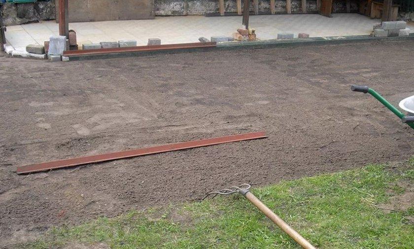 Выравнивание участка под газон