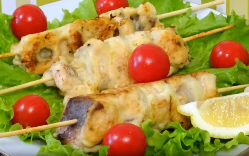 Шашлык из горбуши: как замариновать для приготовления на решётке, рецепты с фото, как приготовить в фольге на барбекю, рыба в духовке на шпажках