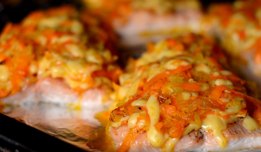 Стейки горбуши на сковороде: рецепты, особенности приготовления