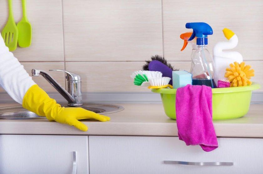 Уборка дома при пандемии коронавируса: как защитить свой дом