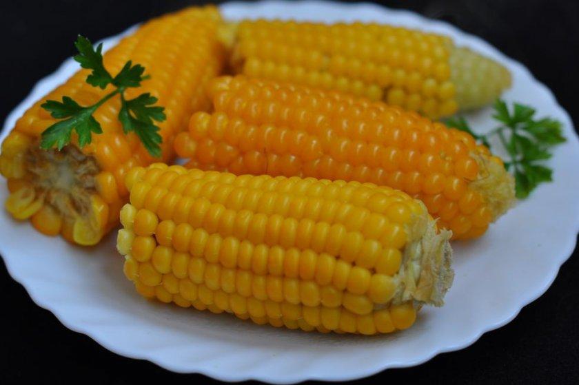 Варёная кукуруза