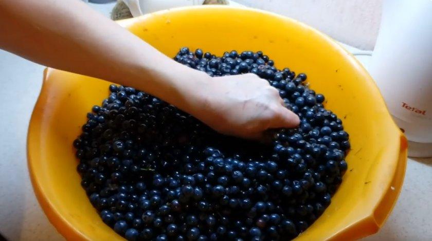 Приготовление вина из чёрного винограда