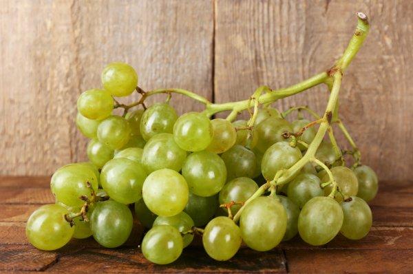 Чем полезен виноград для организма женщины