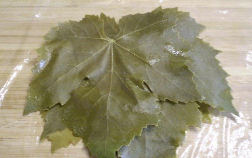 Складываем листья