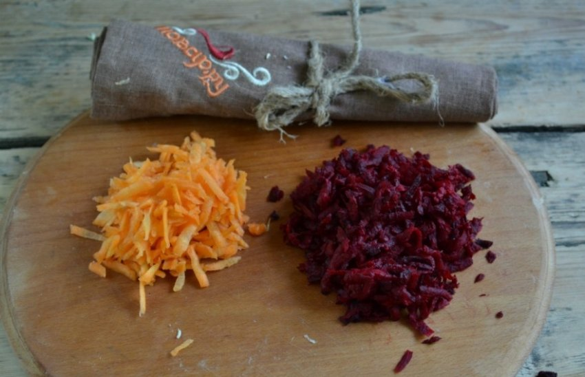 Квашеная свекла с морковью