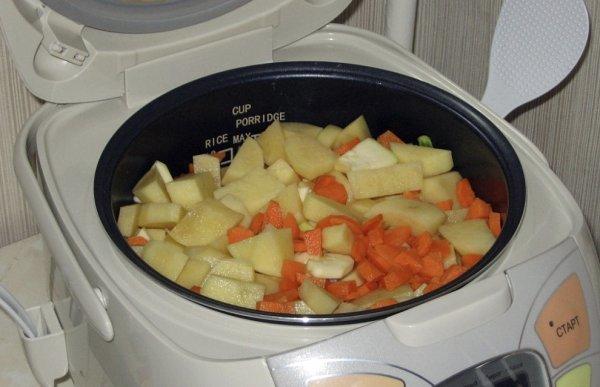 Как сварить картошку в мультиварке: на каком режиме и сколько по времени варить