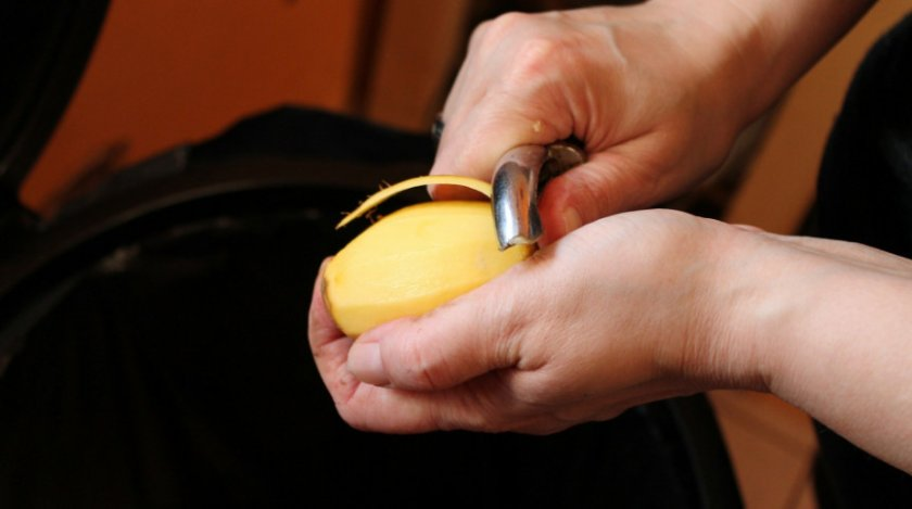 Чистка картофеля