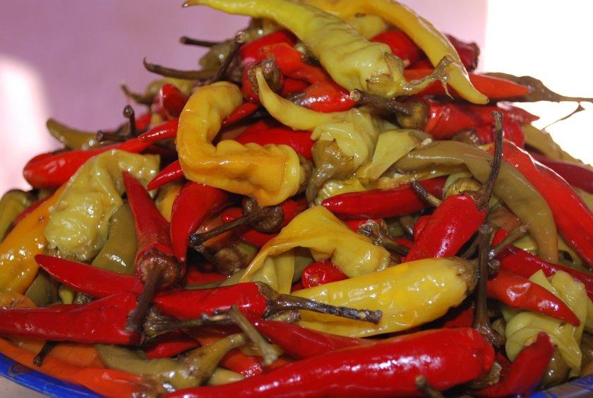 Маринование горьких перцев