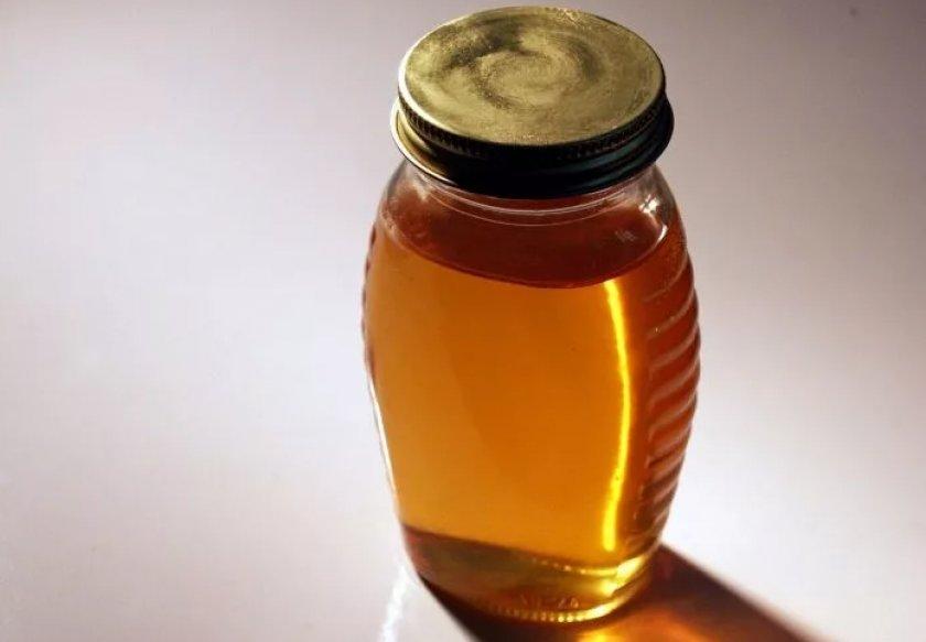 Настойка пчелиного подмора на спирту
