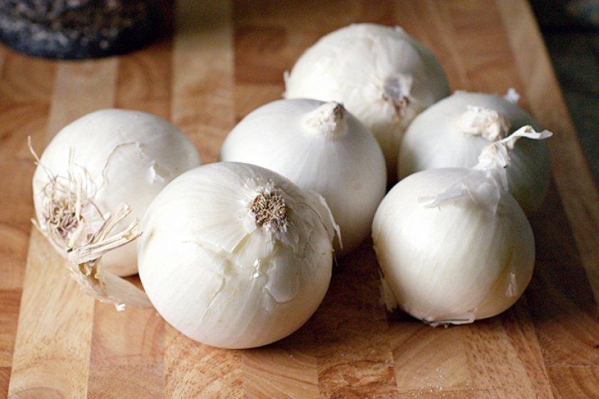 Белый лук Сноуболл