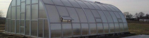 Нужно ли закрывать двери теплицы из поликарбоната на зиму