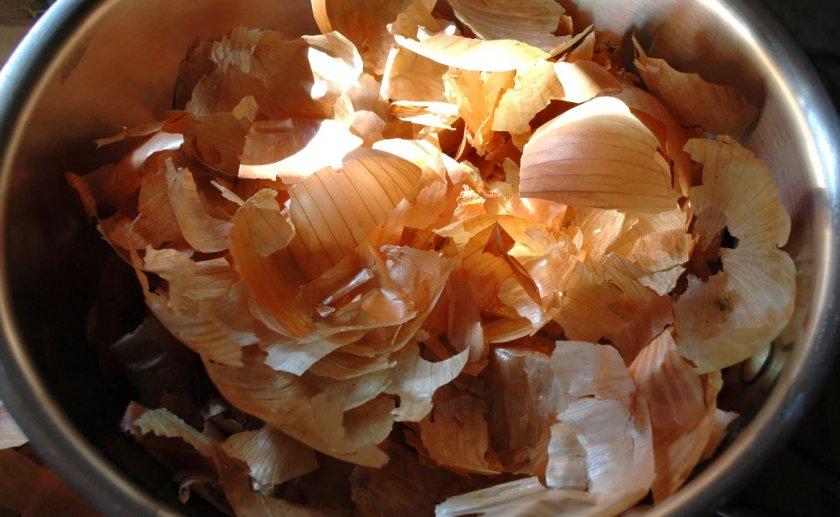 Приготовление отвара из луковой шелухи