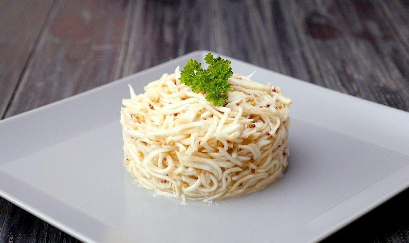 Блюдо из корня сельдерея