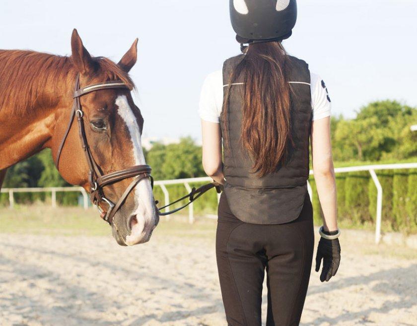 Одежда для езды на лошади