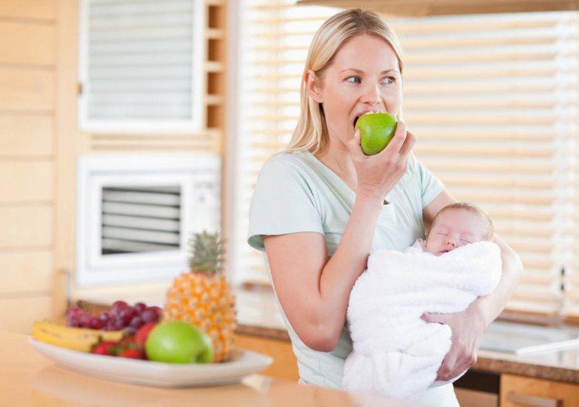Яблоки при беременности и кормлении грудью