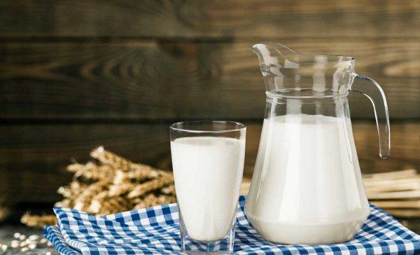 Молоко коровье содержание полезных веществ, польза и вред, свойства