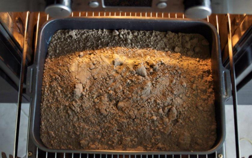 Дезинфекция грунта в духовке
