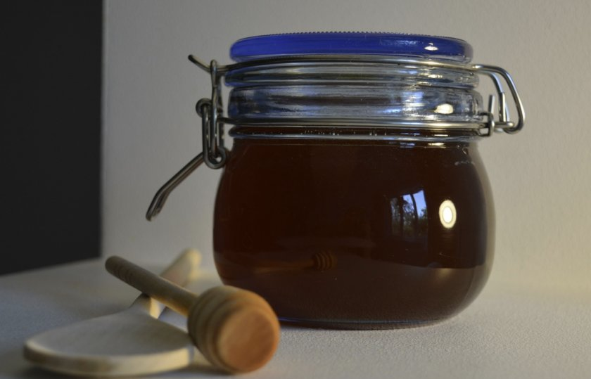 Стеклянная банка для мёда с герметичной крышкой