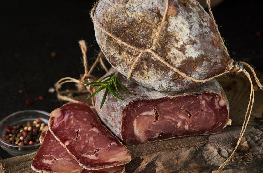 Ровенский предприниматель готовит оригинальную колбасу по древнему рецепту