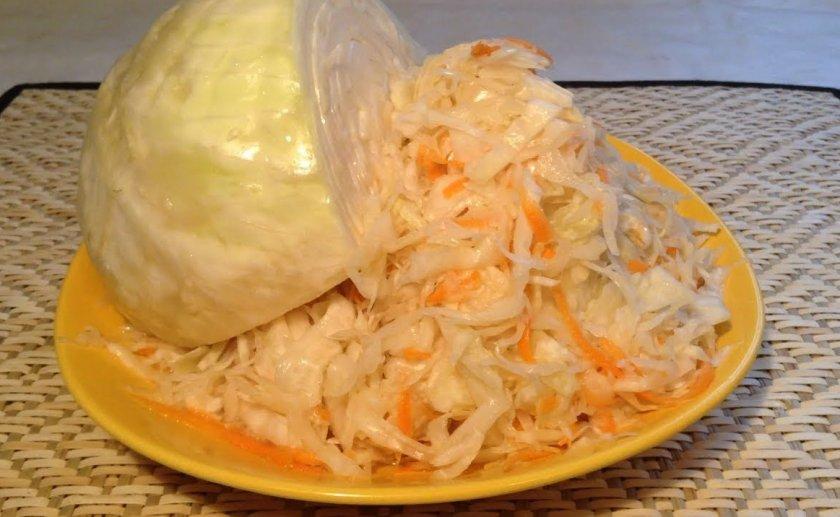 Как засолить капусту на зиму в кастрюле