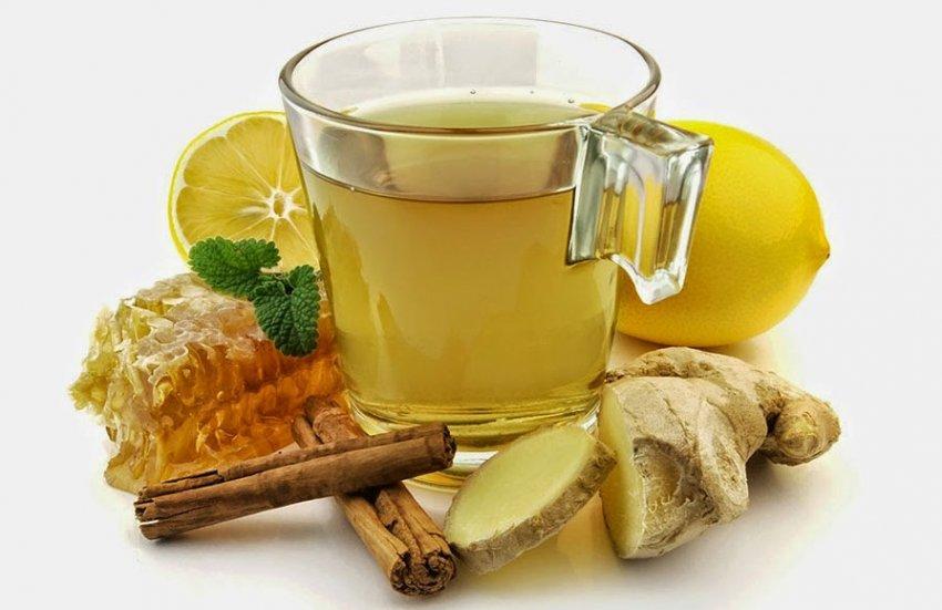 Зеленый чай с медом и корицей